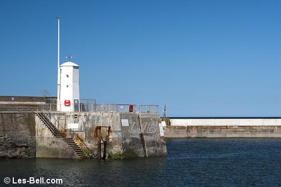 Seahouses Pier Light